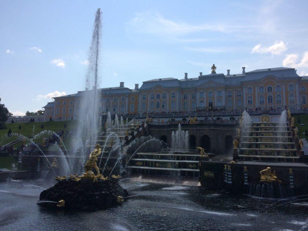peterhof-fontanny
