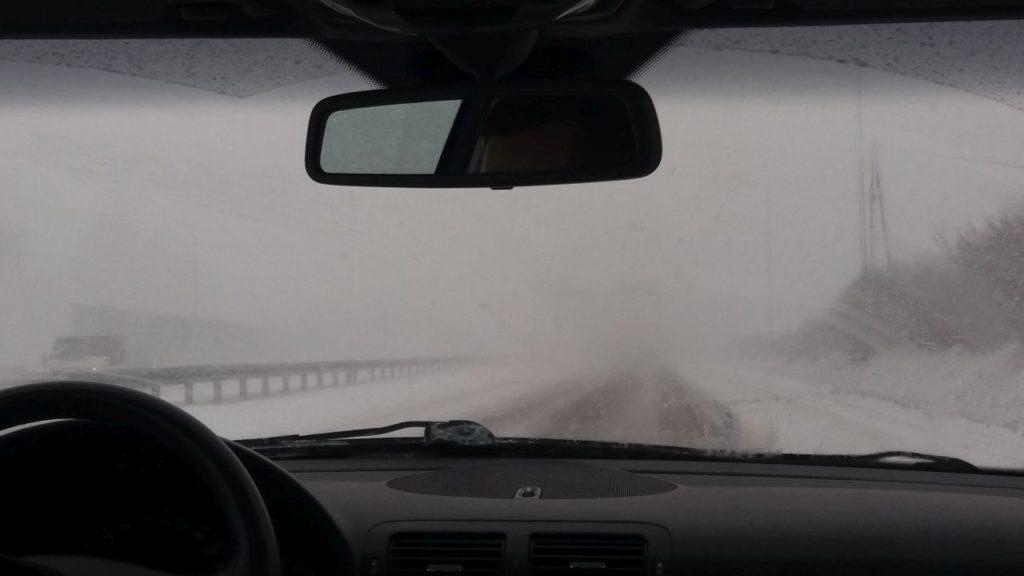 w-taka-pogode-jechalismy-na-lotnisko-do-krakowa