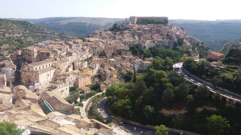 raguza-sycylia-stare-miasto-na-wzgurzu