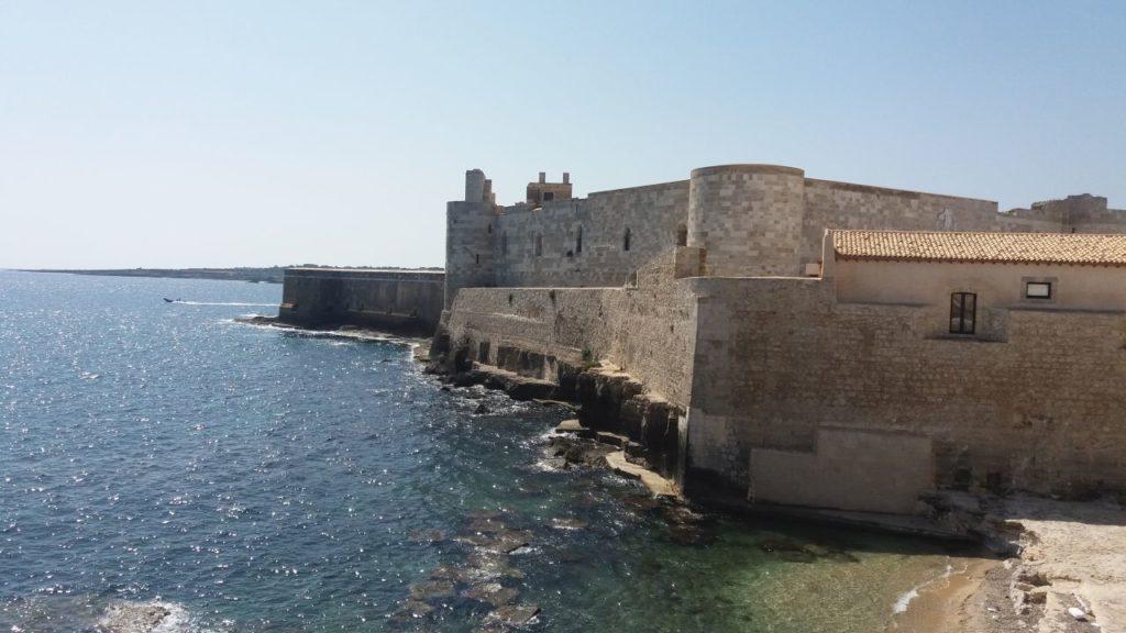 syrakuzy-sycylia-zamek