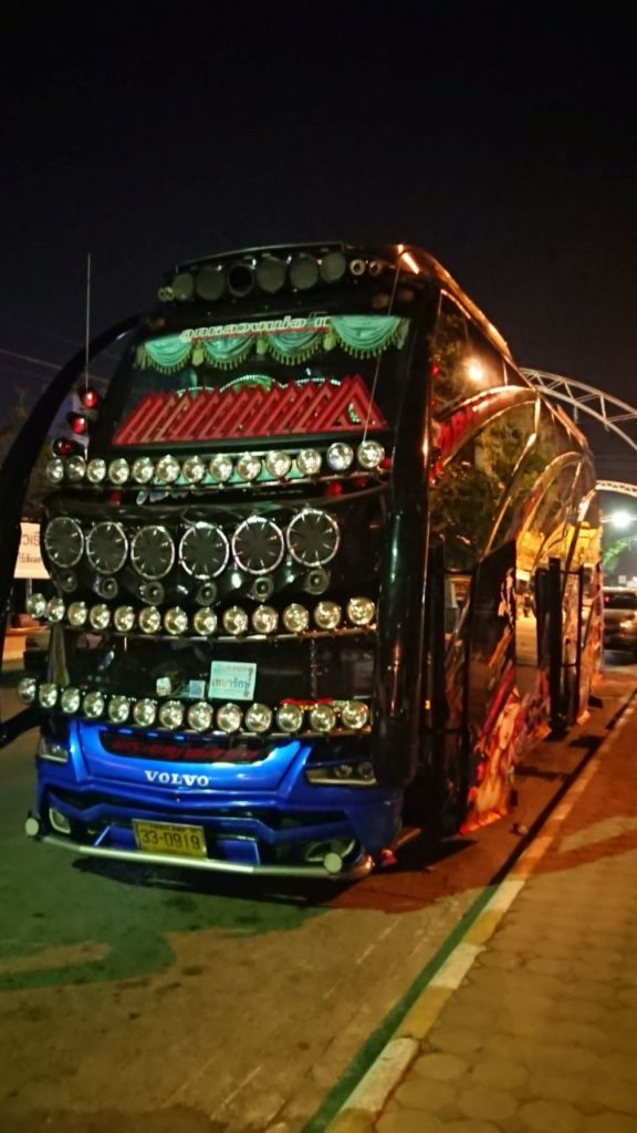 pimp-my-bus-thailand-kanchanaburi